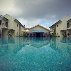 Отель Honors Residence бассейн