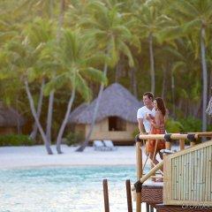 Отель Bora Bora Pearl Beach Resort and Spa Французская Полинезия, Бора-Бора - отзывы, цены и фото номеров - забронировать отель Bora Bora Pearl Beach Resort and Spa онлайн бассейн фото 2