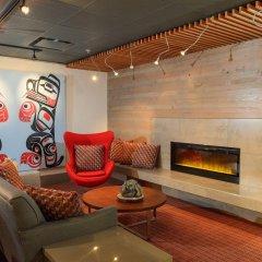 Отель Skwachàys Lodge Канада, Ванкувер - отзывы, цены и фото номеров - забронировать отель Skwachàys Lodge онлайн интерьер отеля фото 2