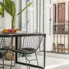 Отель Apartamento Plaza de Cibeles Испания, Мадрид - отзывы, цены и фото номеров - забронировать отель Apartamento Plaza de Cibeles онлайн балкон
