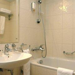 Гостиница Виктория в Выборге 9 отзывов об отеле, цены и фото номеров - забронировать гостиницу Виктория онлайн Выборг комната для гостей фото 5