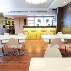 Отель Petals Inn Бангкок гостиничный бар