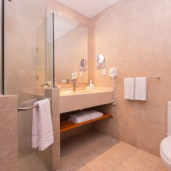 Отель Best Western Crown Victoria ванная фото 2