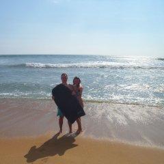 Отель Laya Beach пляж