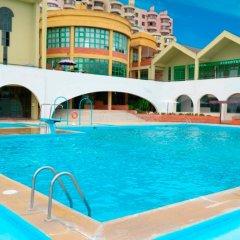 Отель Ramada by Wyndham Lisbon бассейн фото 3