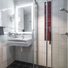 Отель Thon Hotel Nordlys Норвегия, Бодо - отзывы, цены и фото номеров - забронировать отель Thon Hotel Nordlys онлайн ванная фото 2