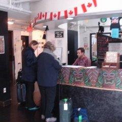 Отель HI Vancouver Downtown Канада, Ванкувер - отзывы, цены и фото номеров - забронировать отель HI Vancouver Downtown онлайн гостиничный бар