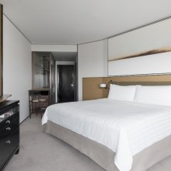 Shangri-La Hotel Singapore сейф в номере
