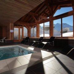 Отель Le Chalet du Mont Vallon Spa Resort бассейн