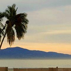 Pacific Crest Hotel Santa Barbara пляж