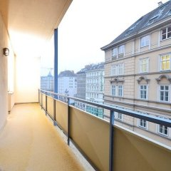 Апартаменты Vienna Residence Classy Apartment for 2 People Right in the Center of Vienna Вена балкон