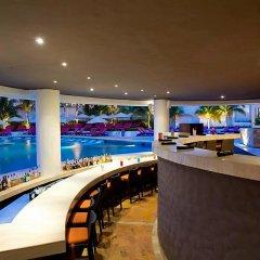 Отель Reflect Krystal Grand Cancun гостиничный бар