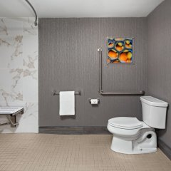 Travelodge Hotel Toronto Airport ванная