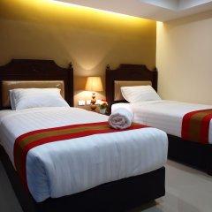 Отель V Residence сейф в номере