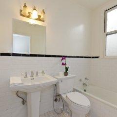 Отель LA155 2 Bedroom Apartment By Senstay США, Лос-Анджелес - отзывы, цены и фото номеров - забронировать отель LA155 2 Bedroom Apartment By Senstay онлайн ванная