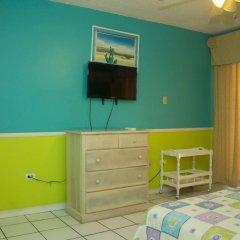 Отель Chrisanns Beach Resort Ямайка, Очо-Риос - отзывы, цены и фото номеров - забронировать отель Chrisanns Beach Resort онлайн комната для гостей фото 5