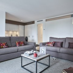 Апартаменты Home Around Mistral City Pool Барселона комната для гостей