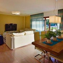 Отель Chalet en Isla de la Toja Испания, Эль-Грове - отзывы, цены и фото номеров - забронировать отель Chalet en Isla de la Toja онлайн комната для гостей фото 3