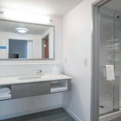 Отель Hampton Inn & Suites Newburgh Stewart Airport Ny Ньюберг ванная фото 2