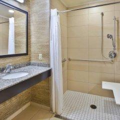 Отель Holiday Inn Express & Suites Geneva Finger Lakes ванная фото 2