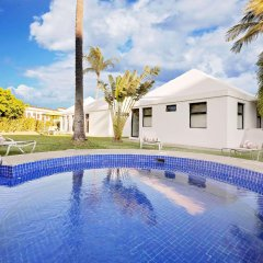 Отель Ramada Resort Mazatlan бассейн