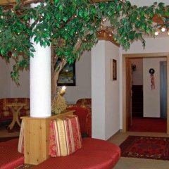 Отель Landhaus Strolz
