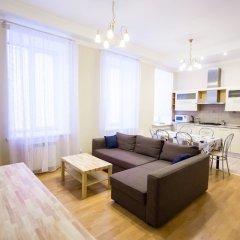 Апартаменты Four-room apartment on Nevsky 106 комната для гостей фото 5