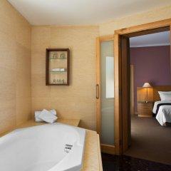 Отель Le Méridien St Julians Hotel and Spa Мальта, Баллута-бей - отзывы, цены и фото номеров - забронировать отель Le Méridien St Julians Hotel and Spa онлайн ванная фото 2