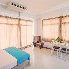 Отель The Meet Green Apartment Таиланд, Бангкок - отзывы, цены и фото номеров - забронировать отель The Meet Green Apartment онлайн комната для гостей фото 2