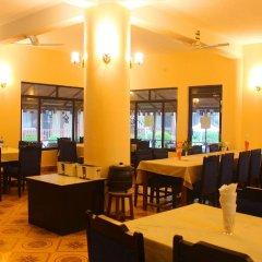 Отель Jungle Safari Lodge Непал, Саураха - отзывы, цены и фото номеров - забронировать отель Jungle Safari Lodge онлайн питание
