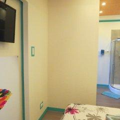 Отель Alon Travelers Lodge Филиппины, Пуэрто-Принцеса - отзывы, цены и фото номеров - забронировать отель Alon Travelers Lodge онлайн удобства в номере фото 2