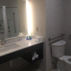 Отель Holiday Inn Express & Suites Jersey City North - Hoboken, an IHG Hotel США, Джерси - отзывы, цены и фото номеров - забронировать отель Holiday Inn Express & Suites Jersey City North - Hoboken, an IHG Hotel онлайн ванная фото 2