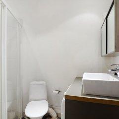 Отель Kotimaailma Helsinki - Arkadiankatu 8 Финляндия, Хельсинки - отзывы, цены и фото номеров - забронировать отель Kotimaailma Helsinki - Arkadiankatu 8 онлайн ванная фото 2