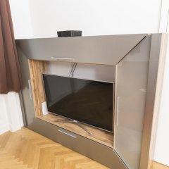 Апартаменты Seilergasse De Luxe Apartment by Welcome2Vienna Вена сейф в номере