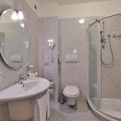 Отель Best Western Plus Executive Hotel and Suites Италия, Турин - 1 отзыв об отеле, цены и фото номеров - забронировать отель Best Western Plus Executive Hotel and Suites онлайн ванная