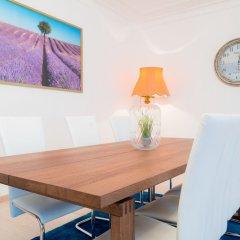 Апартаменты Vienna Residence Spacious Viennese Apartment for up to 5 Happy Guests Вена в номере фото 2