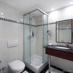 Отель Holiday Inn Brussels Schuman Бельгия, Брюссель - отзывы, цены и фото номеров - забронировать отель Holiday Inn Brussels Schuman онлайн ванная