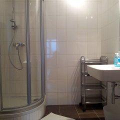 Отель Apartment24 Schoenbrunn Австрия, Вена - отзывы, цены и фото номеров - забронировать отель Apartment24 Schoenbrunn онлайн ванная
