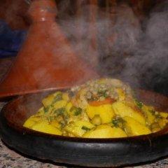 Отель Auberge Chez Ali Марокко, Загора - отзывы, цены и фото номеров - забронировать отель Auberge Chez Ali онлайн питание