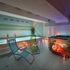 Отель PODHRAD Глубока-над-Влтавой бассейн