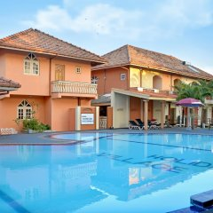 Отель Paradise Holiday Village бассейн