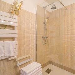 Отель West Paris Family - AC - Wifi Франция, Париж - отзывы, цены и фото номеров - забронировать отель West Paris Family - AC - Wifi онлайн ванная