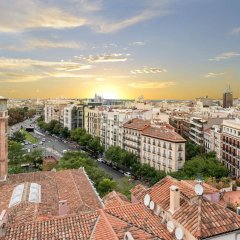 Отель H10 Puerta de Alcalá балкон