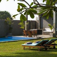 Отель Saffron & Blue - an elite haven бассейн