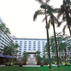 Dong Fang Hotel спортивное сооружение