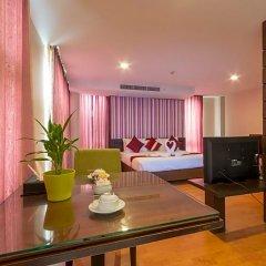 Отель Kris Residence Патонг в номере фото 2