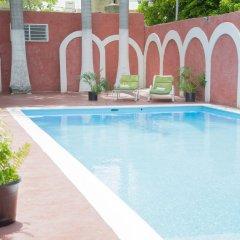 Hotel El Cid Merida бассейн
