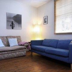 Отель Sweet 1 Bedroom Apartment in Old Town Великобритания, Эдинбург - отзывы, цены и фото номеров - забронировать отель Sweet 1 Bedroom Apartment in Old Town онлайн комната для гостей фото 5