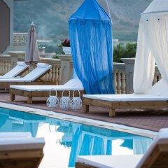 Notos Heights Hotel & Suites бассейн