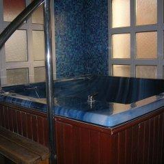 Eduard Hotel бассейн